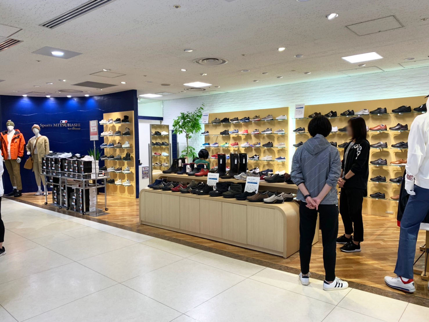 SPORTS MITSUHASHI様2店舗完了2!_f0300358_18062174.jpg