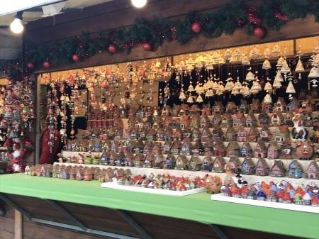 サンタ・クローチェ広場のクリスマスマーケット_a0136671_23590970.jpeg