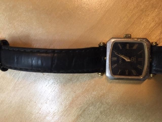 無用の長物ーグッチの腕時計_e0350971_10403151.jpg