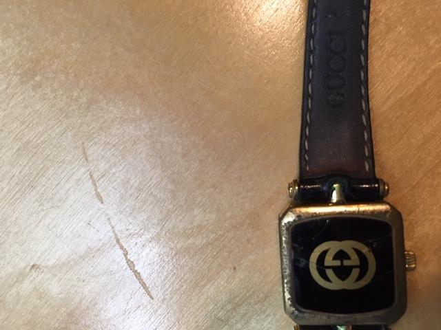 無用の長物ーグッチの腕時計_e0350971_10403845.jpg