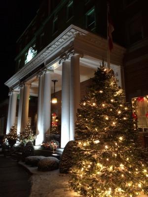ホテルのクリスマス・ツリー_c0353373_23540186.jpg