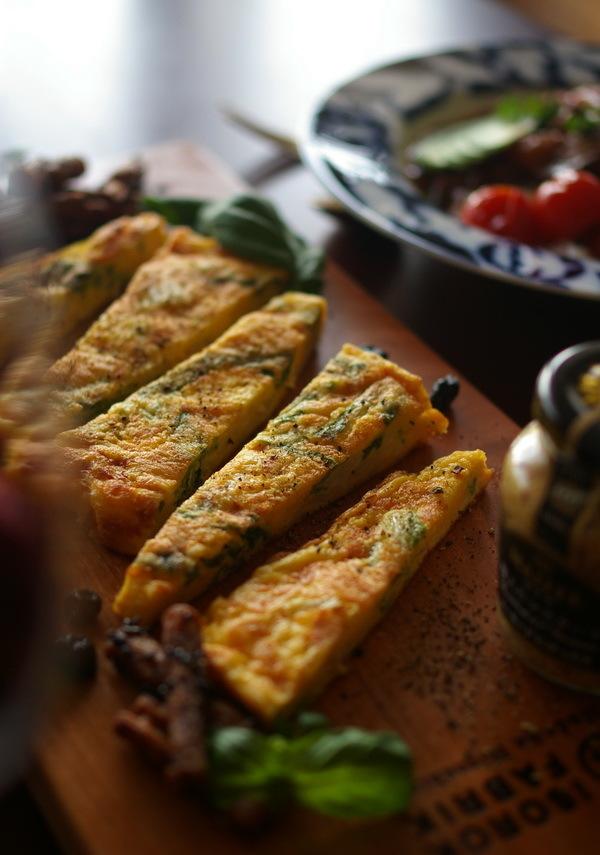 白菜のスパニッシュオムレツと牛ほほ肉カレー_d0327373_17141760.jpg