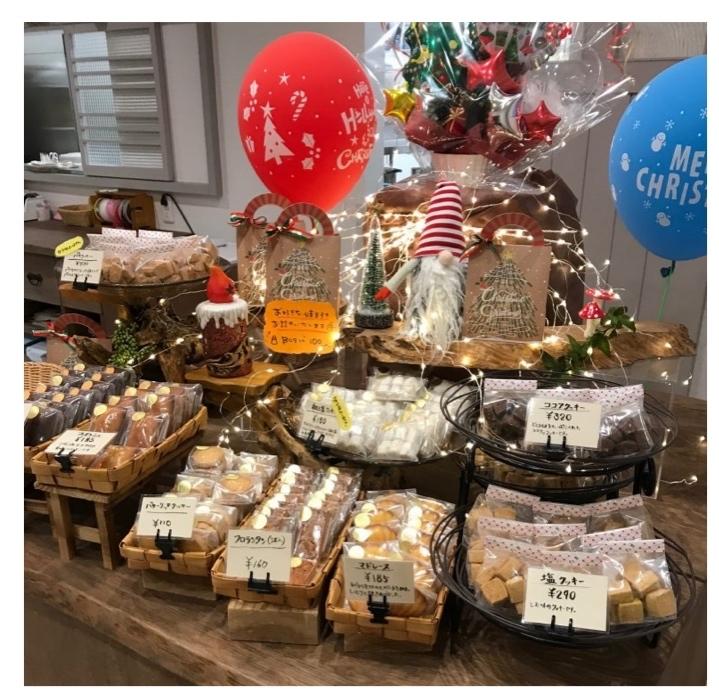 新しいケーキ屋さん_f0217090_09211303.jpg