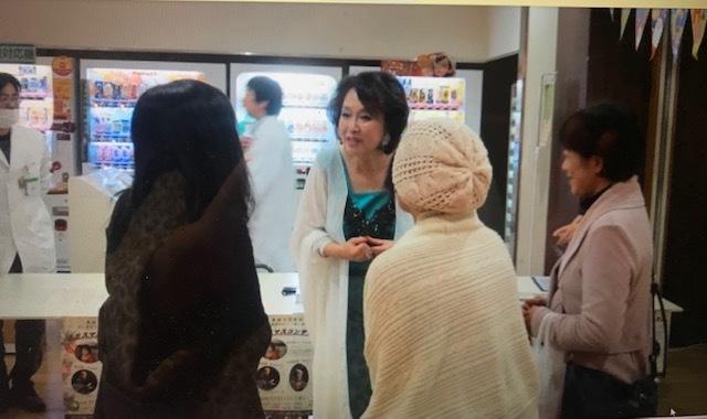 愛媛大学病院がん患者サロンでクリスマス☆_d0103296_22273106.jpg
