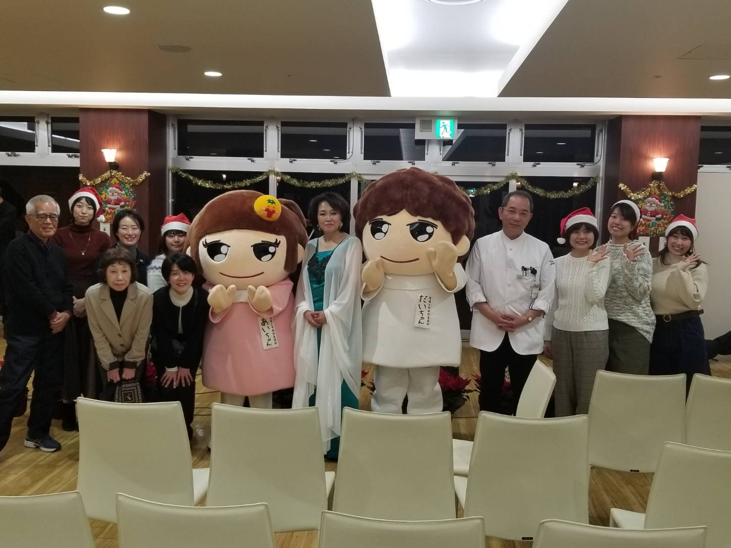 愛媛大学病院がん患者サロンでクリスマス☆_d0103296_22274650.jpg