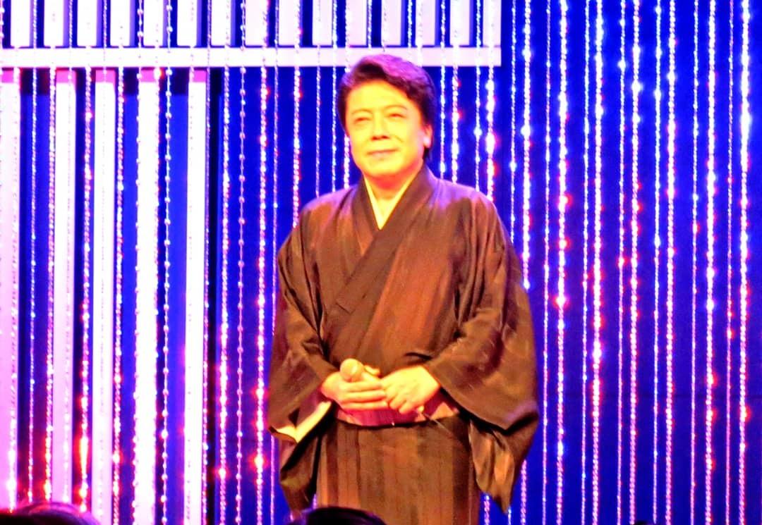 中山秀征の有楽町で逢いまSHOW・男の名刺_b0083801_22430828.jpg