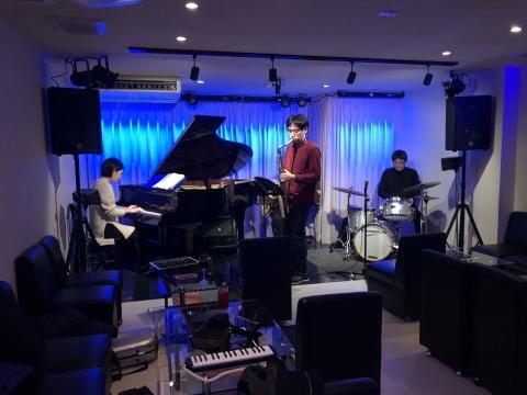 広島 Jazzlive Cominジャズライブカミン  本日はレーザーディスク上映会です_b0115606_13103184.jpeg