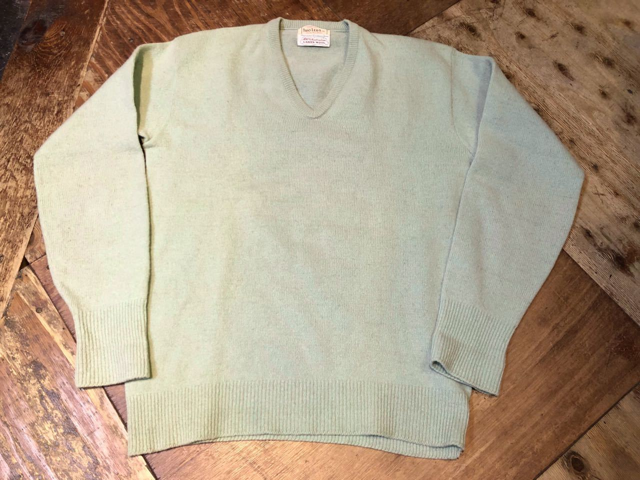11月14日(土)入荷!60s vintage V neck LAMBS WOOL sweater !!_c0144020_13363772.jpg