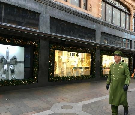 クリスマスの飾りつけ_f0123922_05594997.jpeg