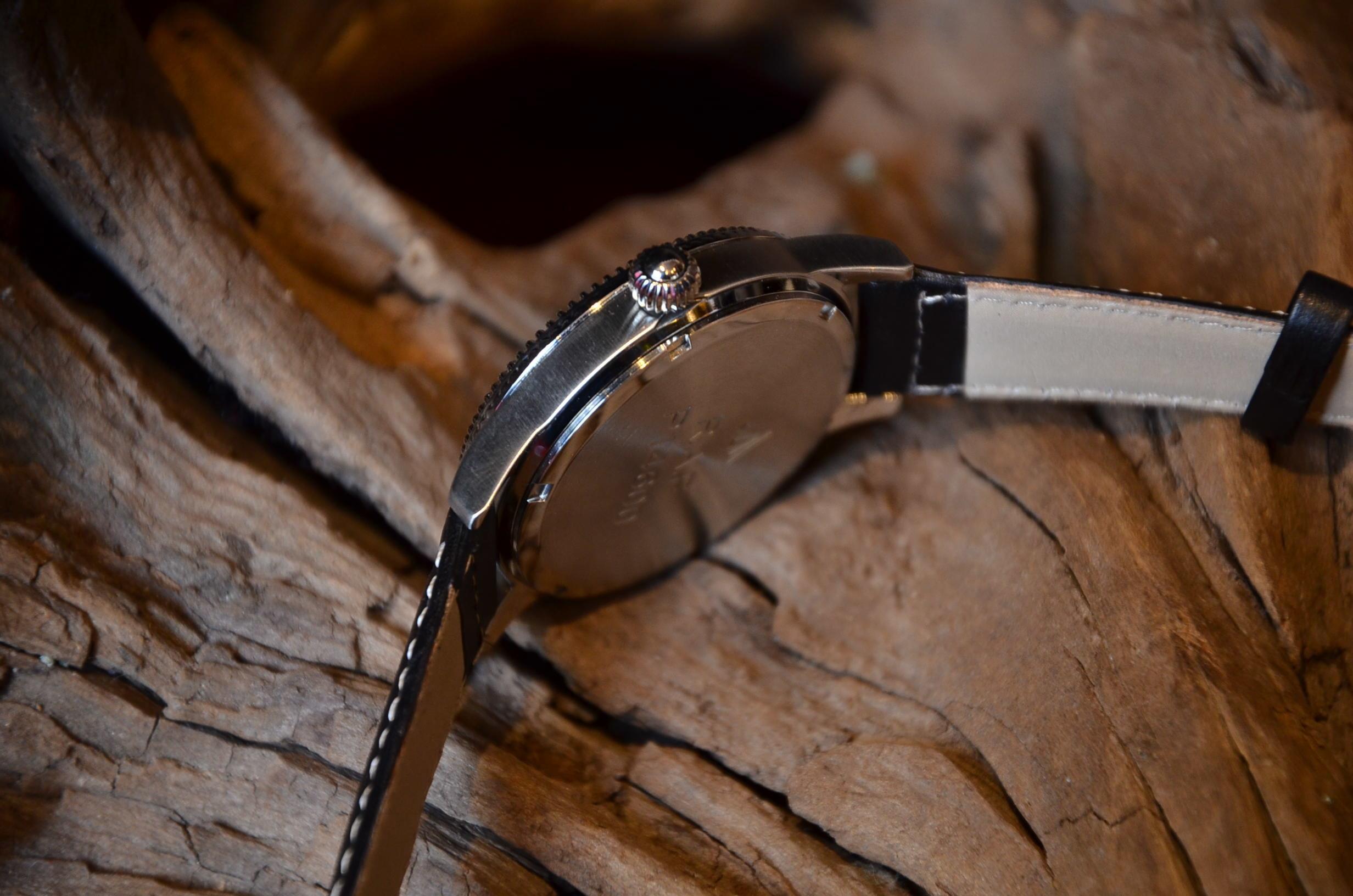 クリスマスギフトにも最適な腕時計_c0167336_15374103.jpg