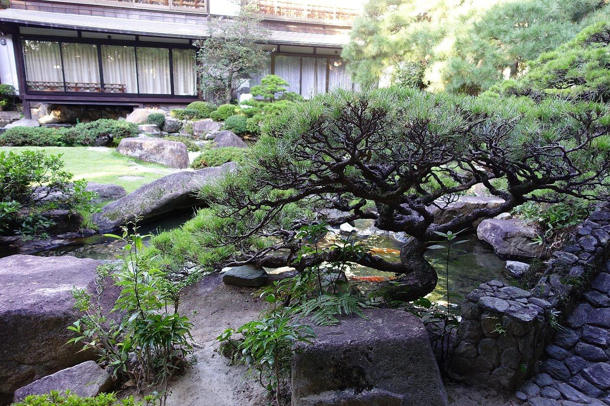 松田屋ホテル庭園(その1)_c0112559_08235095.jpg