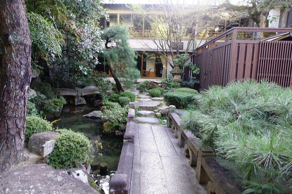 松田屋ホテル庭園(その1)_c0112559_08264621.jpg