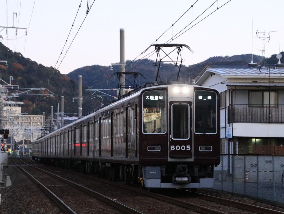 阪急8000系 8005F 大阪梅田行き_d0202264_6584725.jpg