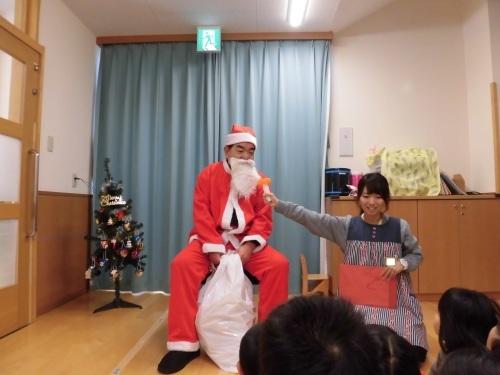 12月誕生会(1・2歳児)_c0352066_14390098.jpg