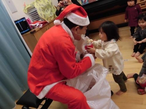 12月誕生会(1・2歳児)_c0352066_14390840.jpg