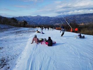 鷲ケ岳スキー場は超テクニカル!_c0359615_21405303.jpg