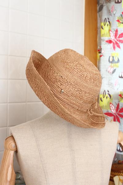 夫のシドニー長期出張のお土産~ヘレンカミンスキーの帽子~_e0333647_14032490.jpg