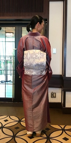11周年・タイシルクの着物にまいづる雪の結晶帯のお客様。_f0181251_17565306.jpg