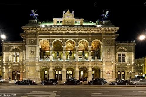 ウィーン国立歌劇場 「トスカ」と「ドン・ジョヴァンニ」の公演から_a0280569_1345622.jpg