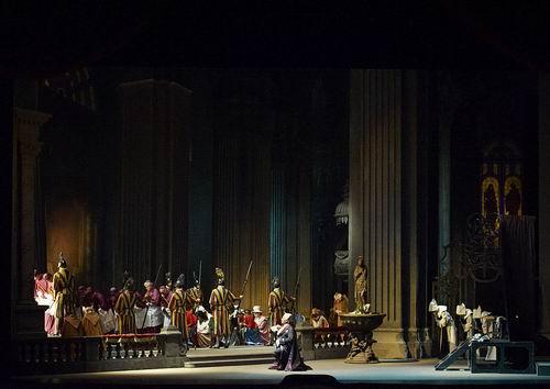 ウィーン国立歌劇場 「トスカ」と「ドン・ジョヴァンニ」の公演から_a0280569_1354652.jpg