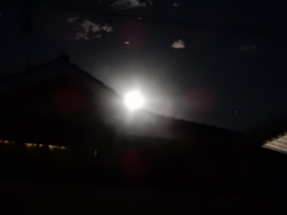 12月の満月はコールドムーン_e0175370_16403103.jpg