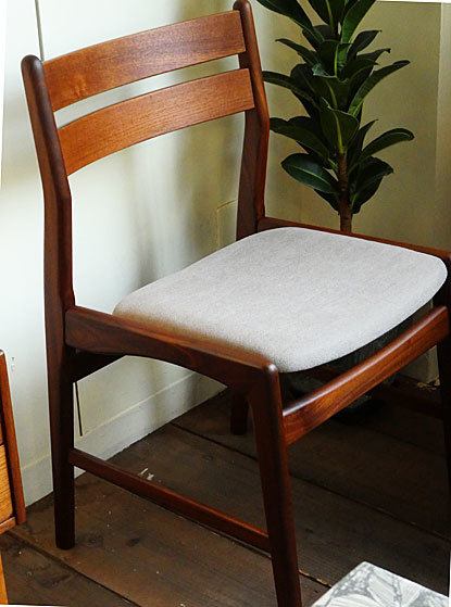 Dining chair_c0139773_18030396.jpg
