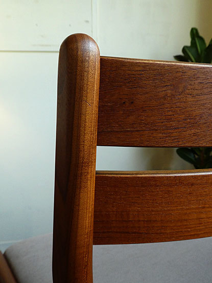 Dining chair_c0139773_18152365.jpg