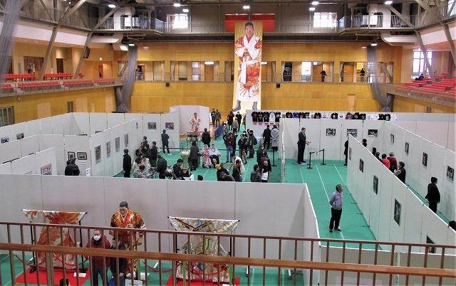 新しい三条文化会館/ジャイアント馬場没後20年記念展_b0163804_18384379.jpg