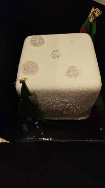 嬉しいプレゼント  「ホワイトフォレスト」_c0124528_09132105.jpg