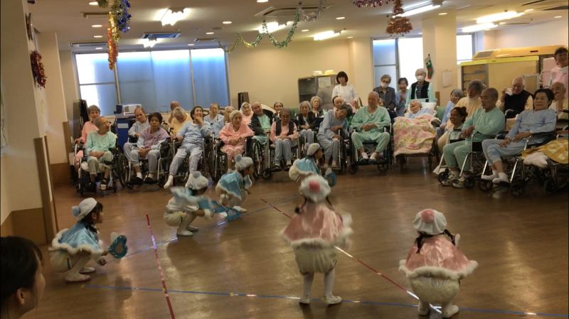介護老人施設を訪問しました。_e0412431_08453983.jpg
