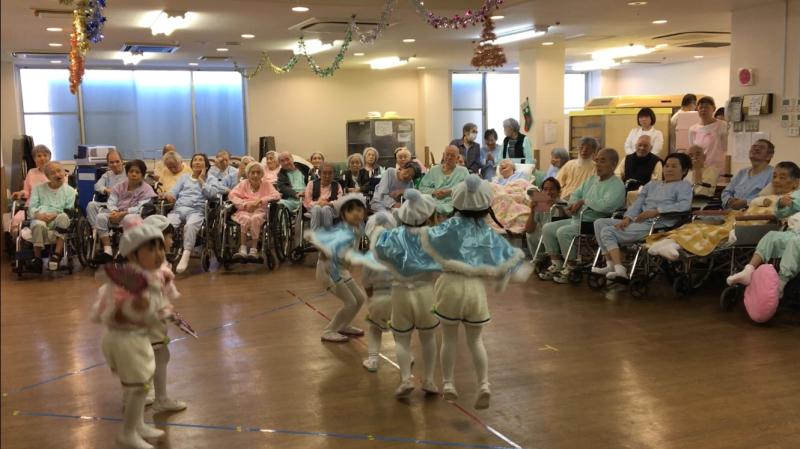 介護老人施設を訪問しました。_e0412431_08454148.jpg