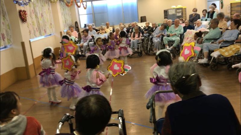介護老人施設を訪問しました。_e0412431_08491040.jpg