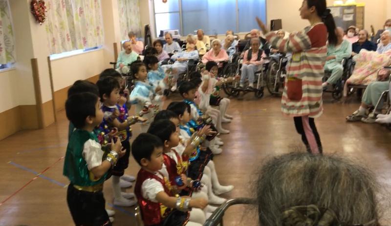 介護老人施設を訪問しました。_e0412431_14223171.jpg