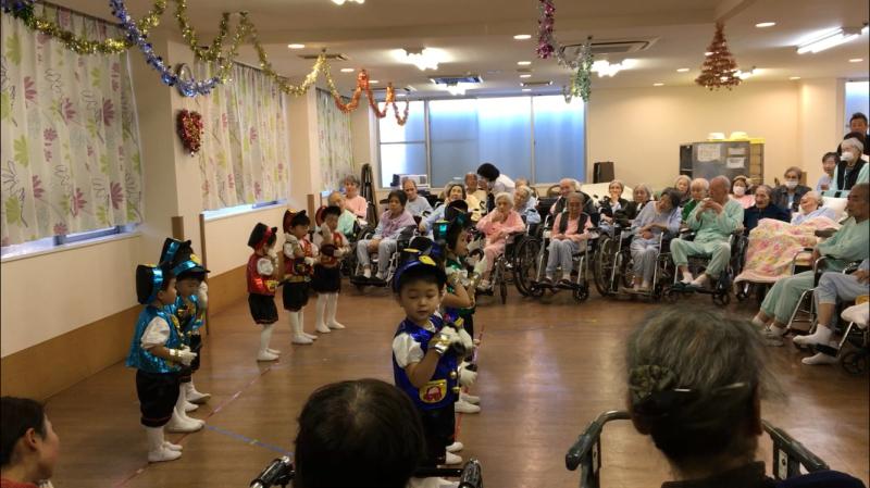 介護老人施設を訪問しました。_e0412431_14351720.jpg