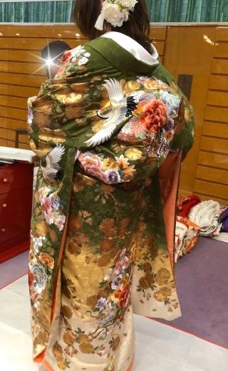 ウェディングドレスの選び方、色打ち掛けの選び方_a0213806_14500180.jpeg