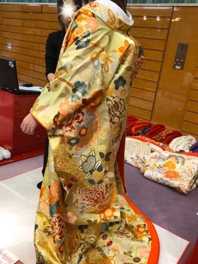 ウェディングドレスの選び方、色打ち掛けの選び方_a0213806_14513164.jpeg