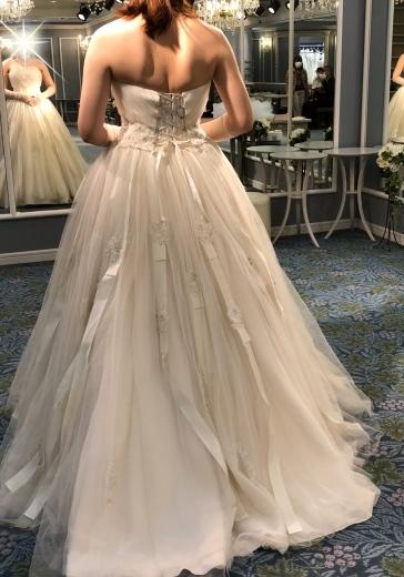 ウェディングドレスの選び方、色打ち掛けの選び方_a0213806_14534980.jpeg