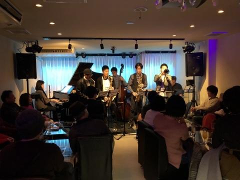 広島 ジャズライブカミン  Jazzlive Comin本日12月16日月曜日のジャズライブ_b0115606_12355106.jpeg