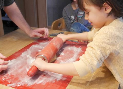 クリスマスクッキー作り_f0210340_06234324.jpg
