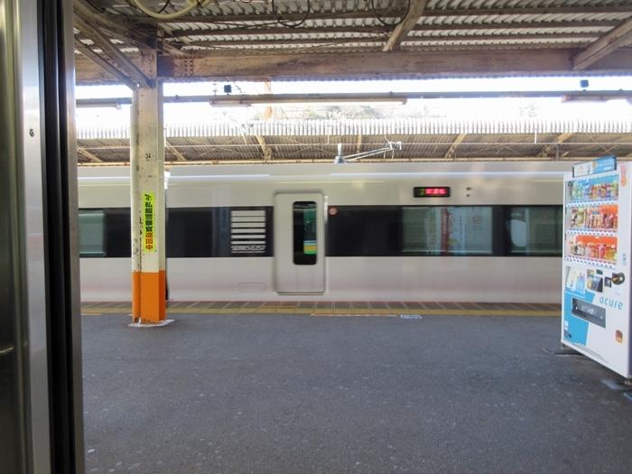 【帰りに乗った東海道線が今日のユーチューブにアップされていた件w】E257試運転_b0009849_20014077.jpg