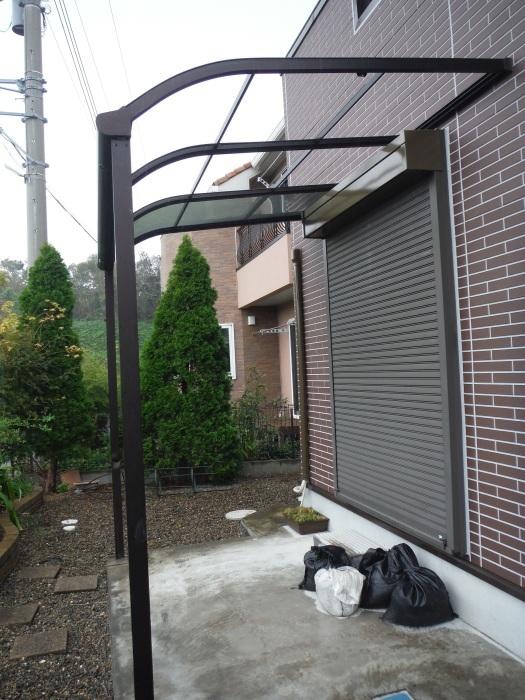 テラス屋根取替 ~ 台風被害で破損しました。_d0165368_04471376.jpg
