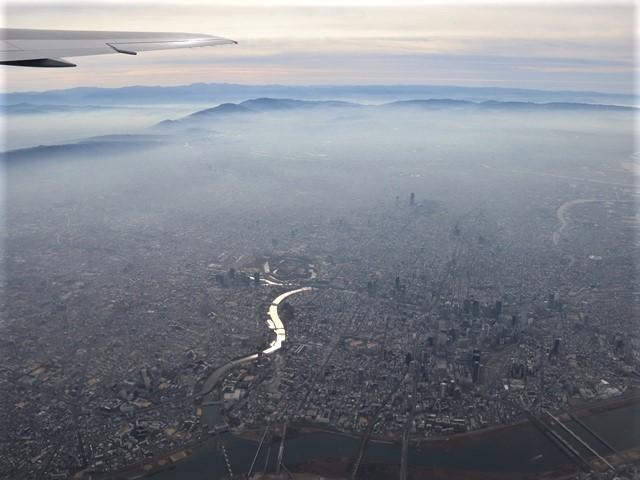 全日空からの絶景、大阪城と雲海、大阪の街が蜃気楼となった・・・・絶景かな大阪の街、ANAからの絶景写真_d0181492_21451204.jpg