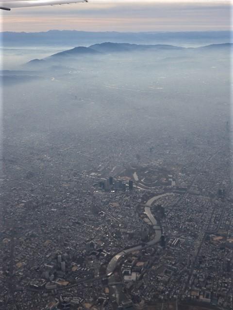 全日空からの絶景、大阪城と雲海、大阪の街が蜃気楼となった・・・・絶景かな大阪の街、ANAからの絶景写真_d0181492_21452082.jpg