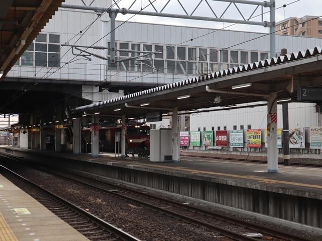 藤田八束の鉄道写真@JR名取駅からの写真を撮りました。冬の寒い中貨物列車は走ります。_d0181492_23090100.jpg