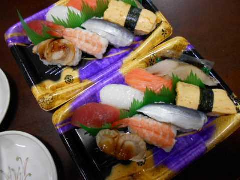 スーパーのお寿司&皿うどん_f0019498_06365865.jpg