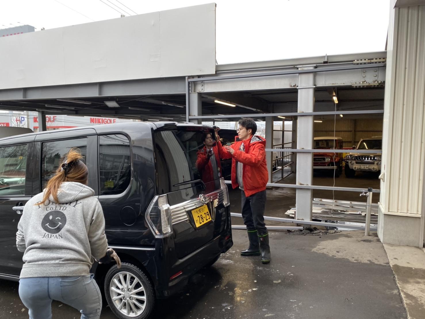 12月17日(火)本店ブログ♪ ハイエースバン 5ドアバン3.0DT スーパーGLロング 4WD_b0127002_17284228.jpg
