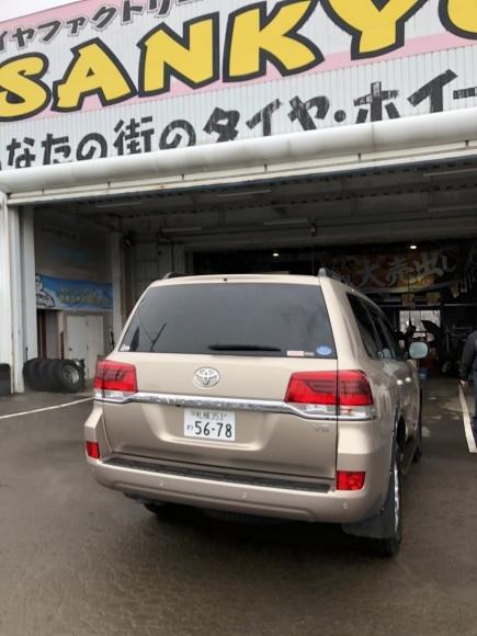 12月17日(火)本店ブログ♪ ハイエースバン 5ドアバン3.0DT スーパーGLロング 4WD_b0127002_17434650.jpg