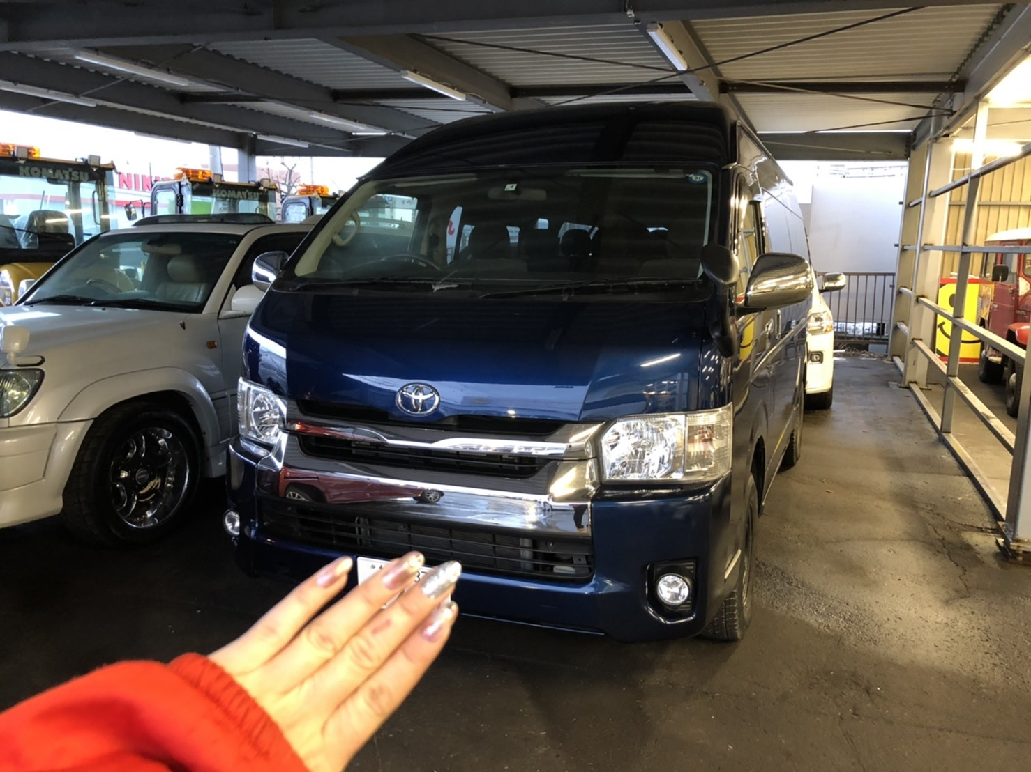 12月17日(火)本店ブログ♪ ハイエースバン 5ドアバン3.0DT スーパーGLロング 4WD_b0127002_17540657.jpg