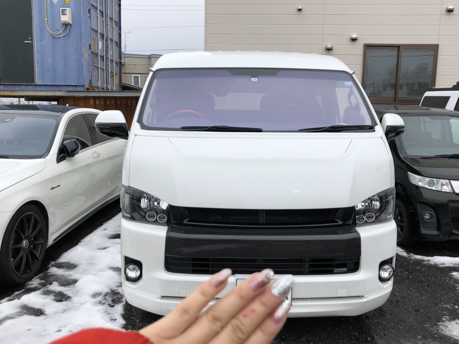 12月17日(火)本店ブログ♪ ハイエースバン 5ドアバン3.0DT スーパーGLロング 4WD_b0127002_17544775.jpg