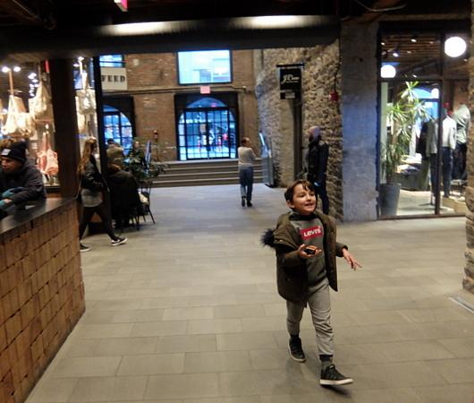 ブルックリンの廃墟倉庫を改装してお店にしたエンパイア・ストアーズ(Empire Stores)_b0007805_13031992.jpg